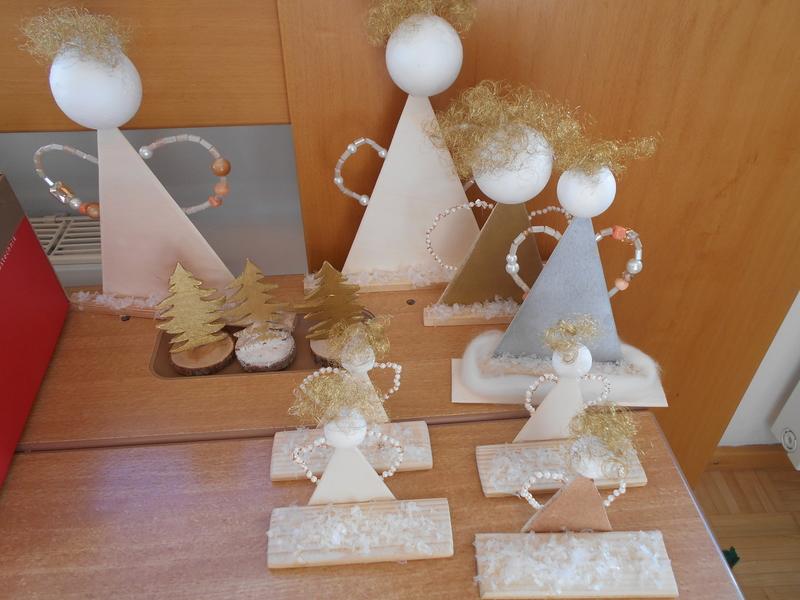 Weihnachtsbasteln 4 Klasse.4 Klasse Basteln Von Adventkränzen Werkunterricht Adventmarkt